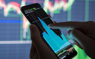 4 ways to use alerts to trade